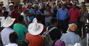 141006_Consejo-Damnificados-Acatepec_001_MG_9183