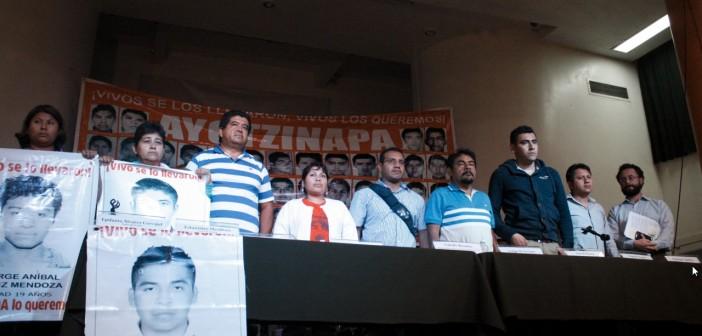 150127 Conferencia Ayotzinapa-01