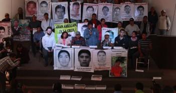 150209 Ayotzinapa respalda a EAAF_01