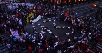Performance realizado por Ecos en Guadalajara.