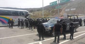 150328 Represión contra la Normal de Ayotzinapa