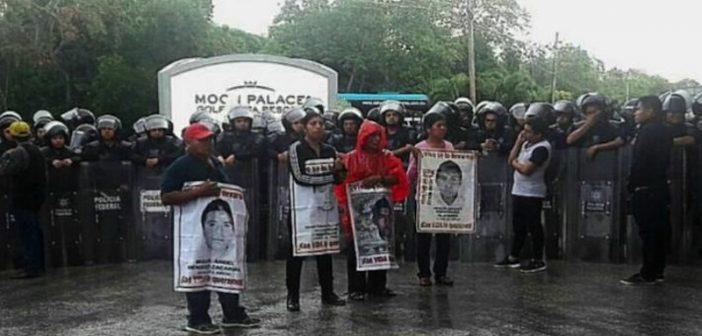 COMUNICADO | Impiden libre manifestación a madres y padres de Ayotzinapa en el marco de la Asamblea General de la OEA