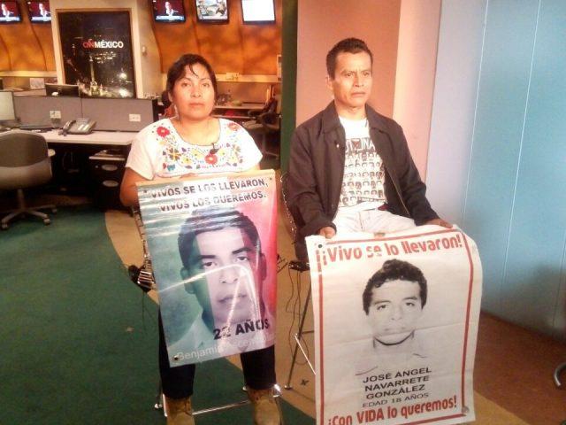 Nota Informativa| Acción Global por Ayotzinapa: A tres años de la desaparición de los 43 normalistas