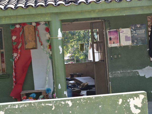 NOTA INFORMATIVA | Denuncian que sujetos coordinados por el comisario de La Concepción incendiaron pertenencias y cosas de la Casa de enlace de la CRAC-PC #Cacahuatepec además recorren comunidades con Policía Ministerial preguntando por gente del #CECOP