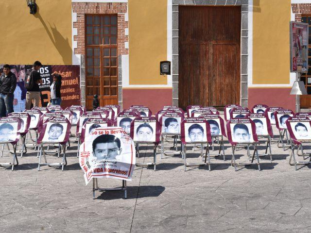 FOTOREPORTAJE | «Rompiendo el silencio y el olvido»: A 41 meses de la desaparición de los 43