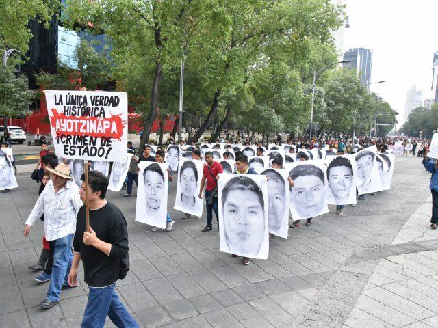 COMUNICADO | Un agravio más a los padres y madres de los 43 en el día internacional de las víctimas de desaparición forzada