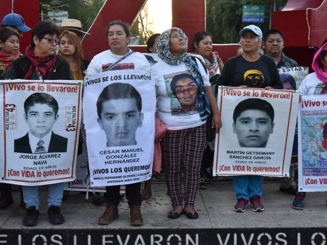 Fotogalería | 52 meses de la desaparición de los 43 la esperanza renace