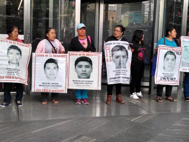Radio | La palabra que ayuda temas: Campesinos exigen entrega de fertilizante, 57 acción global por Ayotzinapa