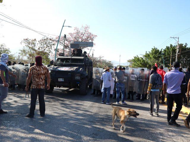 COMUNICADO | Policías Estatales del Estado de Chiapas reprimen la Caravana en Busca de los 43