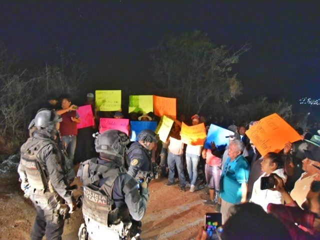 COMUNICADO | En alto riesgo la vida y la seguridad de los defensores y defensoras del Centro Morelos de Chilapa