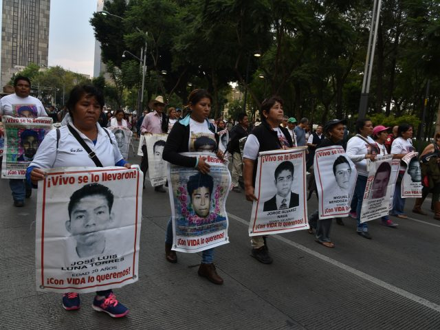 POSICIONAMIENTO   Madres y padres exigen que se juzgue al capitán José Martínez Crespo por desaparición de los 43
